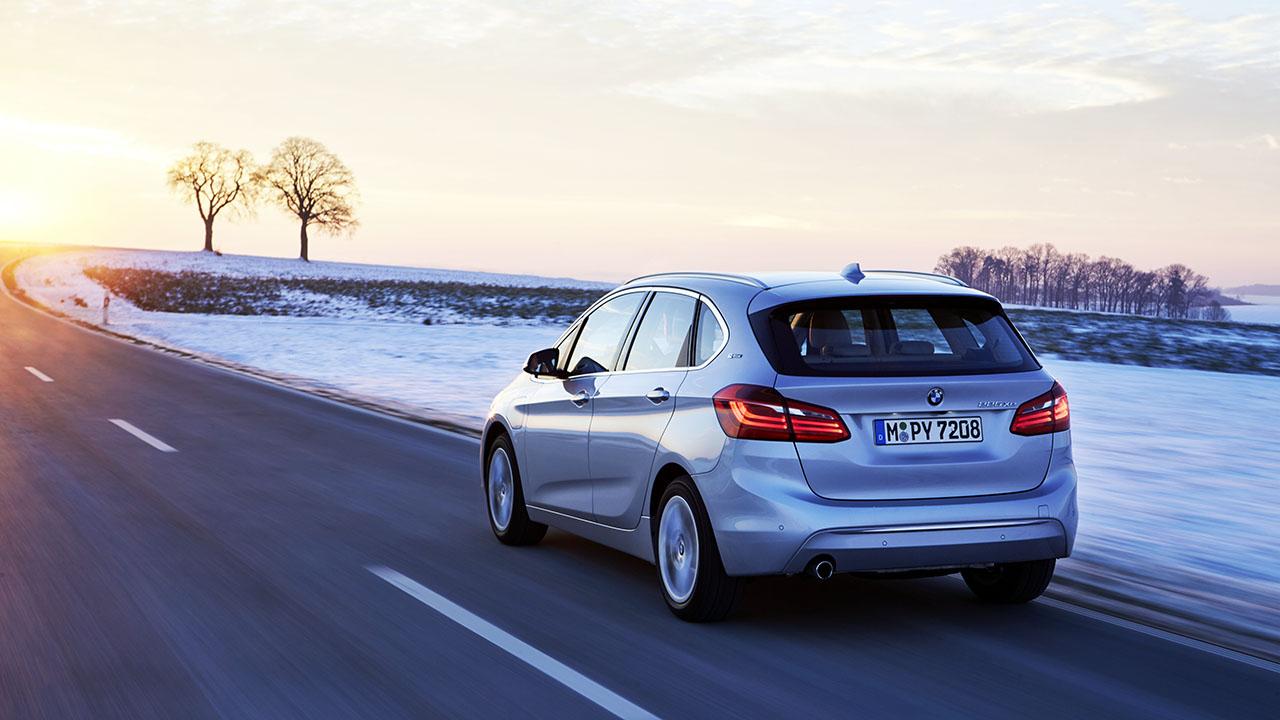 BMW 225xe_01