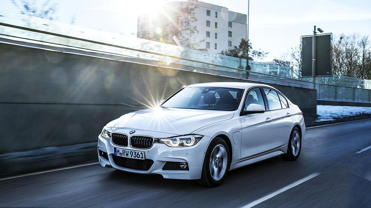 BMW 330e_01