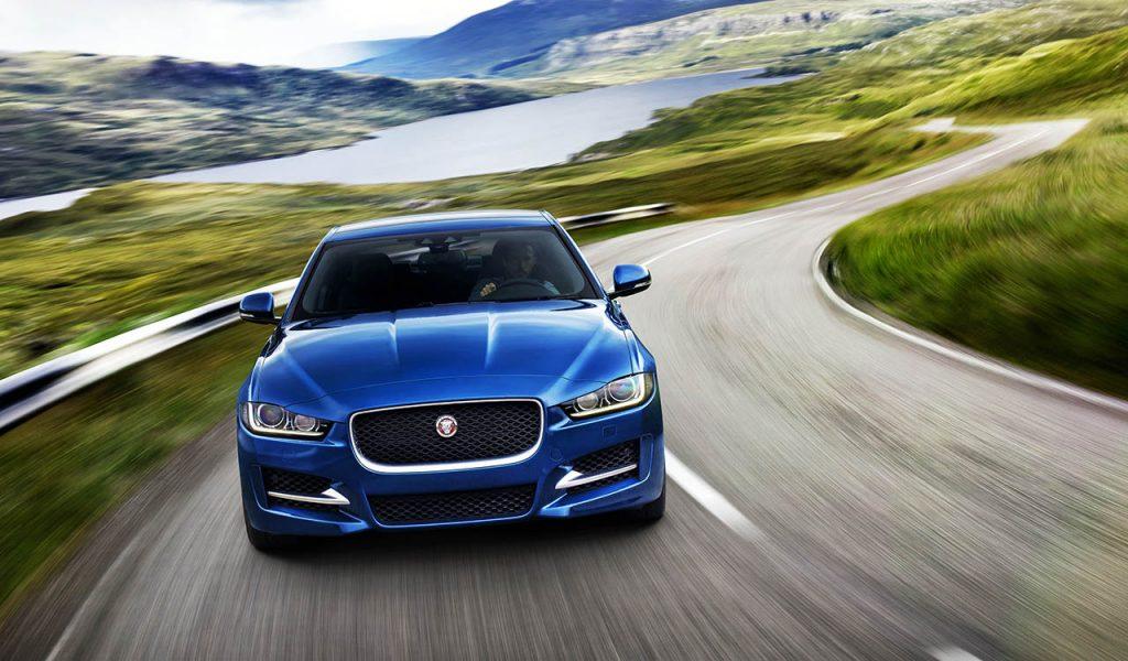 Jaguar estreia novo motor de 300 cavalos no XE, XF e F ...