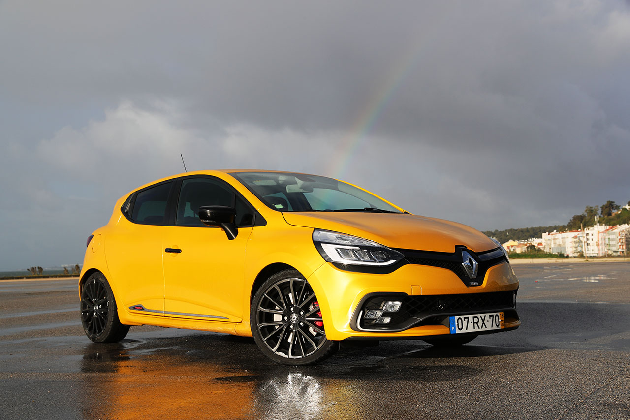 renault clio rs trophy 220 edc divers o garantida motor. Black Bedroom Furniture Sets. Home Design Ideas